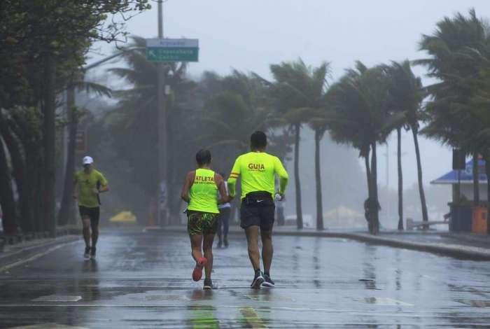 Frente fria derrubou temperatura no Rio, mas ela volta a subir nesta quinta-feira