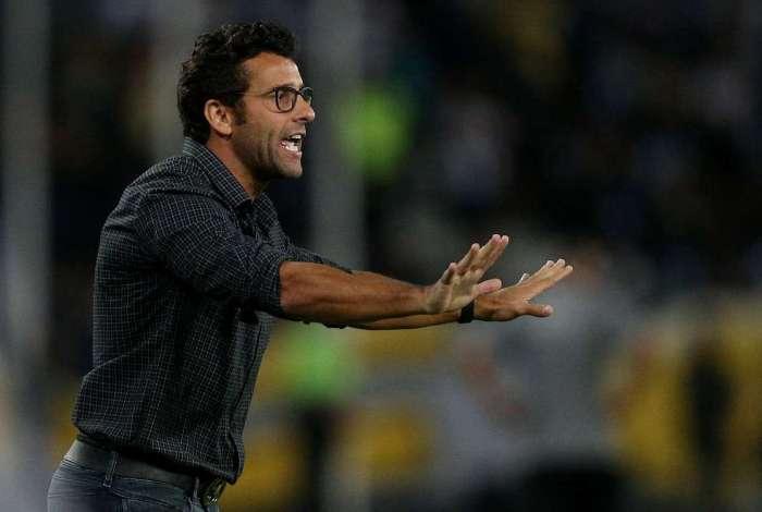 Alberto Valentim será apresentado oficialmente hoje pelo Vasco, em Curitiba