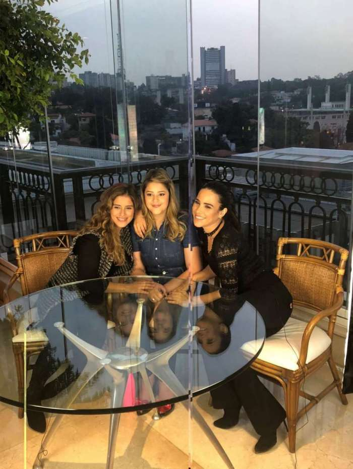 Camilla e Wanessa Camargo são entrevistadas por Maria Cavalcante