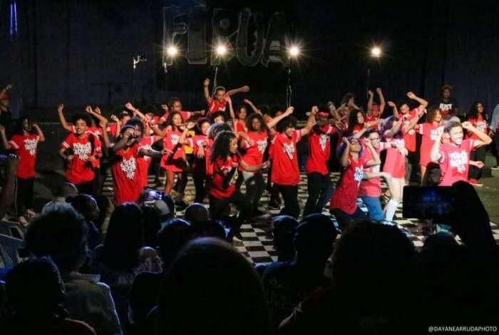 Grupo RUA promove inclusão social de crianças e adolescentes pela dança