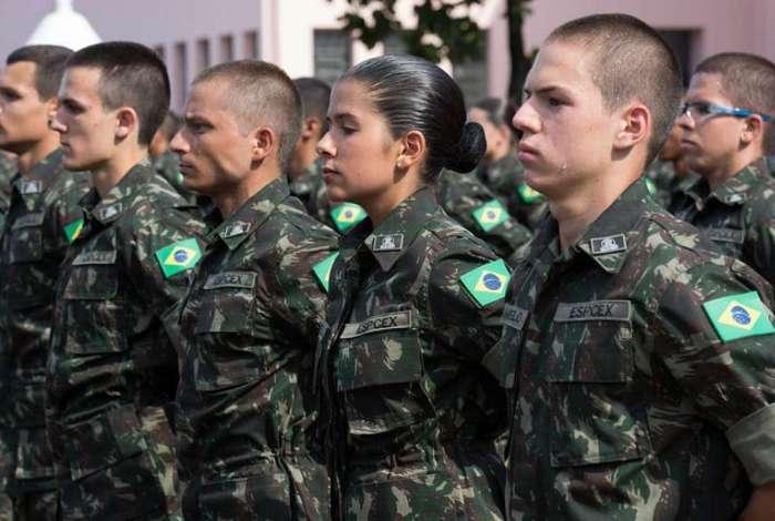 Governo quer aumentar a contribuição atual dos militares ao fundo da Previdência de 7,5% do valor recebido para 10,5% a partir de 2022