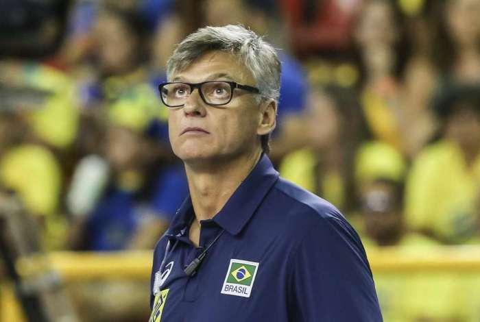 Renan Dal Zotto é o técnico da seleção masculina de vôlei