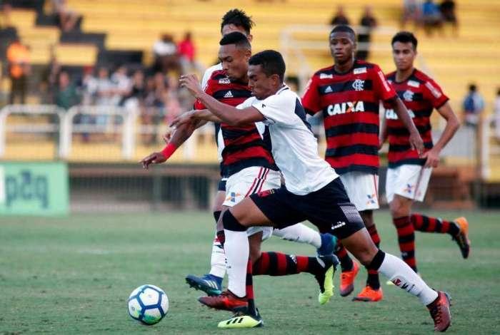 Flamengo vence o Vasco no Brasileirão Sub-20