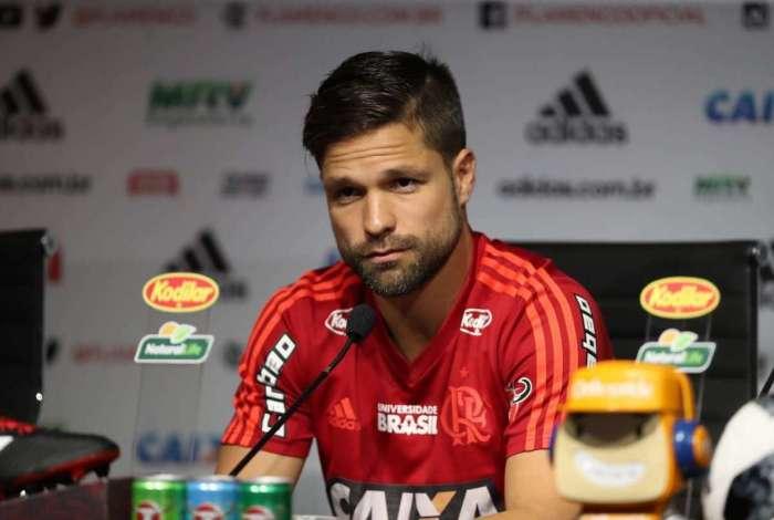 Diego deve desfalcar o Flamengo