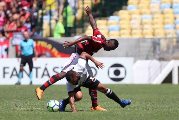 2204708064 Confira as notas dos jogadores do Flamengo na derrota contra o Ceará ...