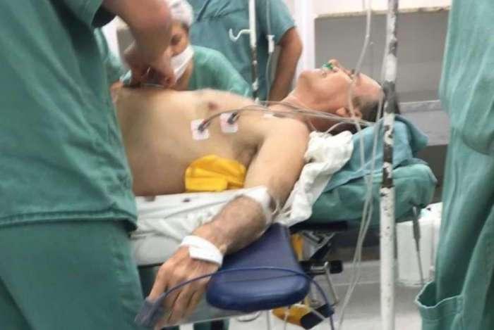 Político passou por uma cirurgia após ser atacado