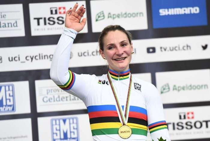 Kristina Vogel durante o Campeonato Mundial de Ciclismo de Apeldoorn, na Holanda