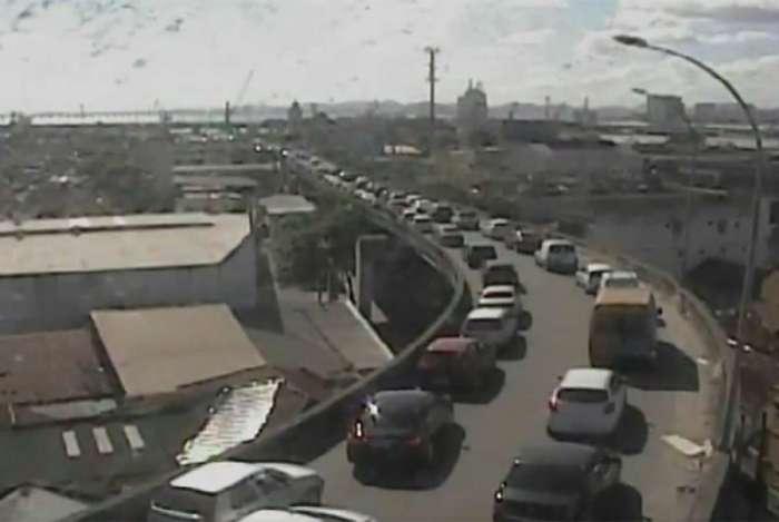 Feriado da Independência provoca trânsito lento em vários pontos do Rio
