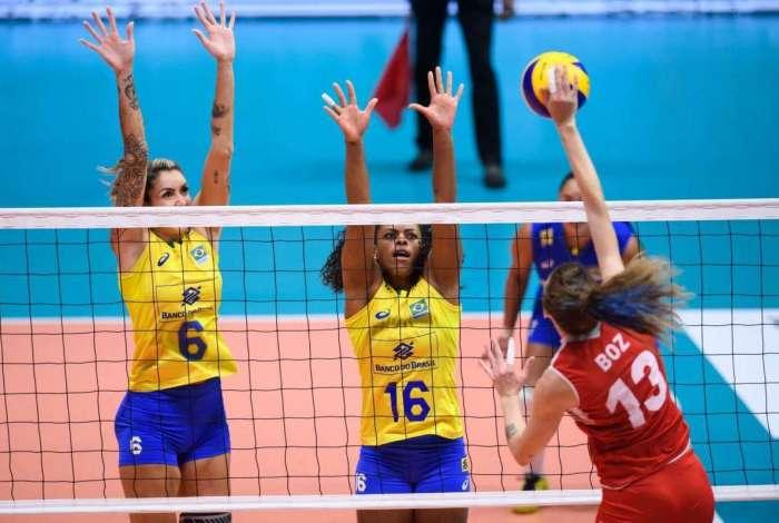 Brasil foi batido pela Turquia por 3 sets a 2