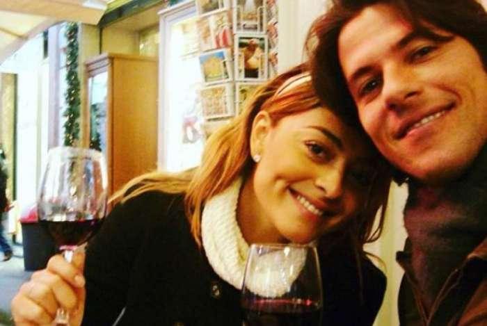 Juliana Paes comemora 10 anos de casada