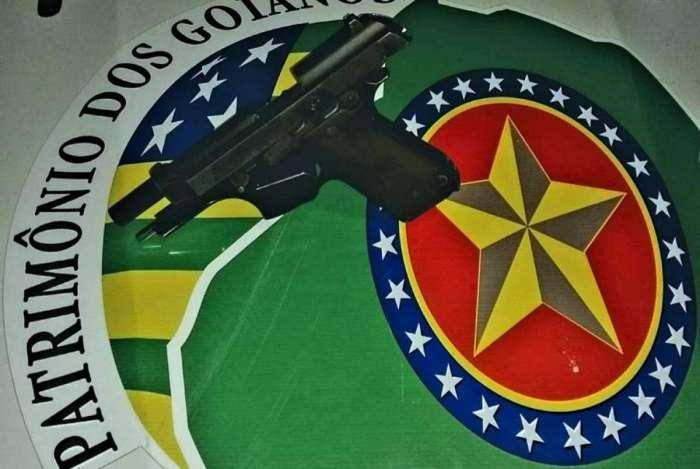 Suspeito foi preso pela Policia Militar e a arma usada no crime, uma pistola calibre 7.65, foi apreendida
