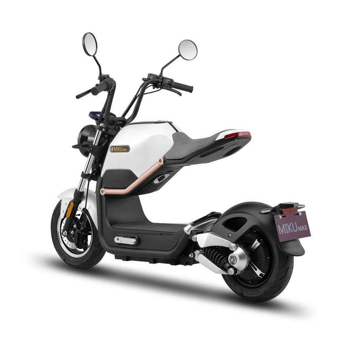 scooter el trica tem jeit o de moto grande o dia automania. Black Bedroom Furniture Sets. Home Design Ideas