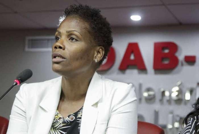 Advogada disse que juíza agiu com violação ao impedir seu trabalho.