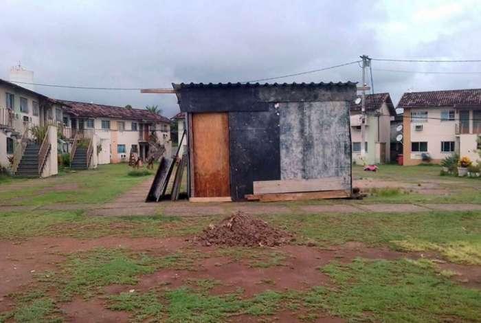 Defesa Civil interditou 20 blocos do Condomínio Village do Girassol por problemas estruturais