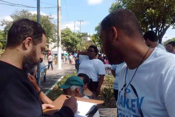 Integrantes do MEP-VR foram às ruas de quatro cidades para ouvir a opinião dos moradores sobre a realidade em que vivem