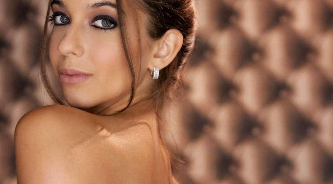 Inês Petkovic posa para seu primeiro ensaio sensual