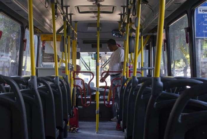 Segundo Sintraturb-Rio, 90% dos ônibus circulam sem cobradores
