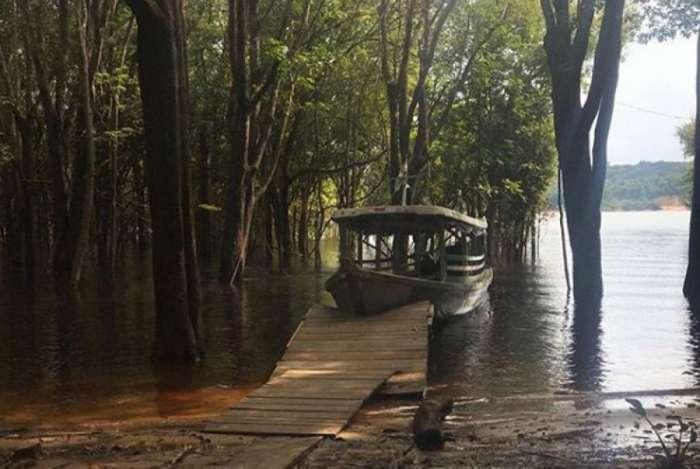 Leandra Leal tem postado fotos da região da Amazônia. Atriz é uma das protagonistas da série 'Aruanas'