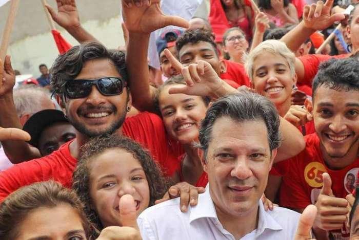 Haddad faz campanha pela Presidência pelo Partido dos Trabalhadores