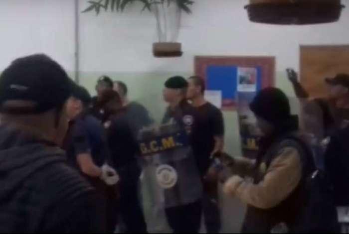 Guarda Civil Metropolitana invade centro de acolhida de moradores de rua em São Paulo