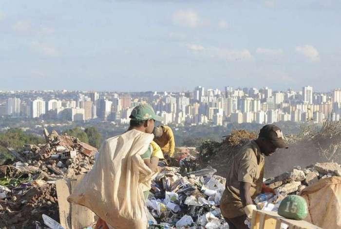 Relatório mostra aumento nos lixões do Brasil