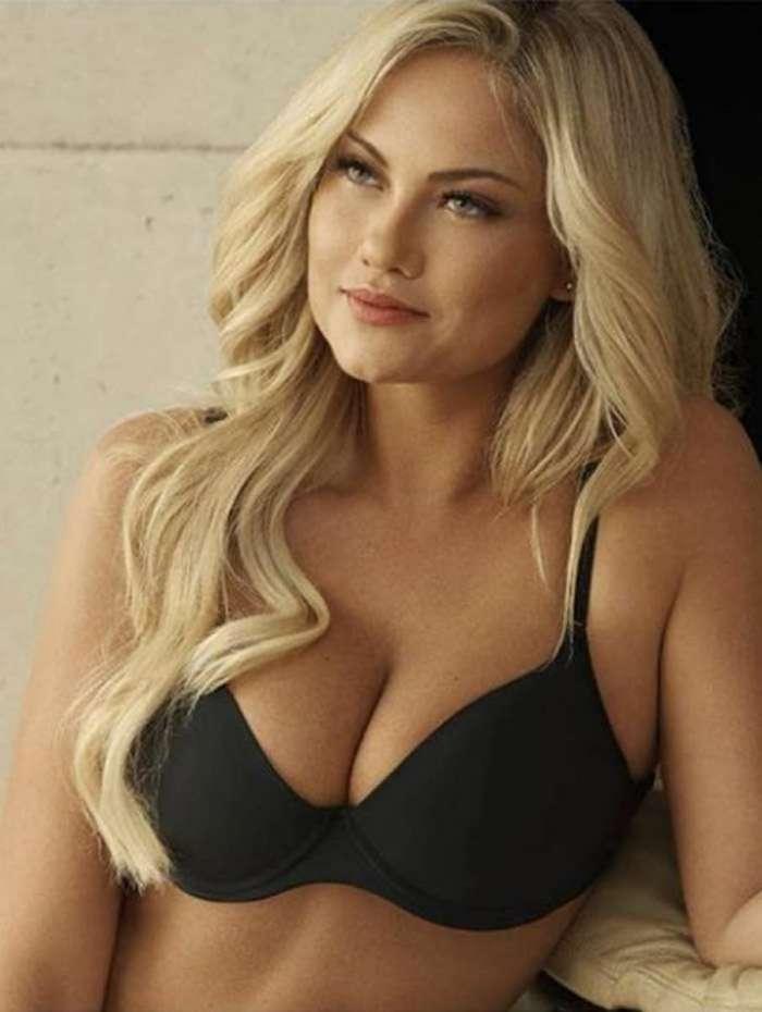 Ellen Rocche posa para campanha de lingerie