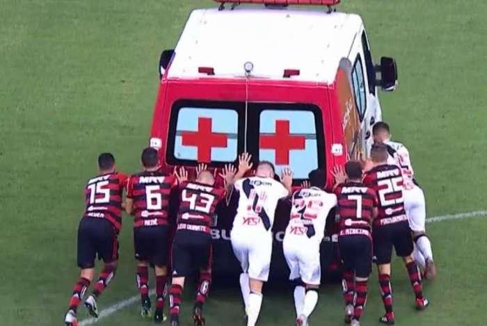 Jogadores empurraram ambulânica em Brasília