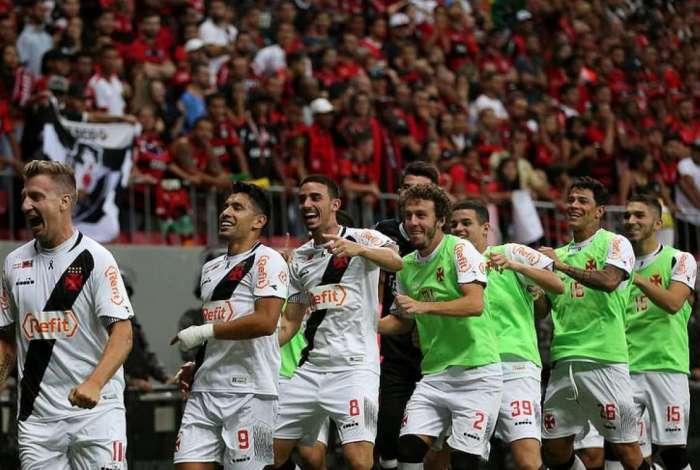 04891960e1 Confira as notas dos jogadores do Vasco no empate com o Flamengo O ...