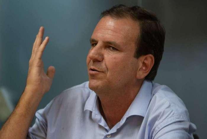 """O ex-prefeito afirmou que mantinha relação institucional com os petistas para beneficiar o Rio e cravou: """"Eleger o Witzel é botar o Crivella no Governo do Estado"""""""