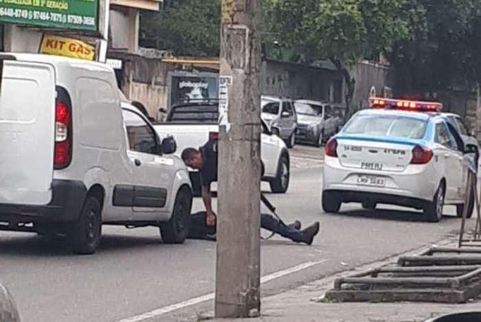 Suspeito é preso após perseguição policial