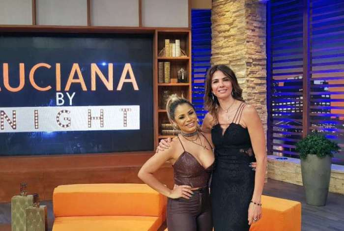 Lexa posa com Luciana Gimenez nos bastidores do 'Luciana By Night'