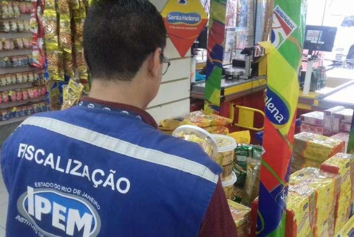 Operação do Ipem encontrou irregularidades em doces vendidos no Rio