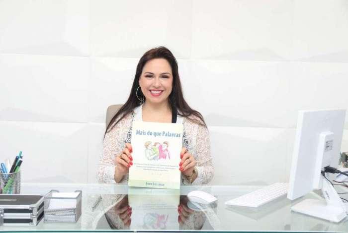 Livro busca orientar e ensinar aos pais usando situações do dia a dia