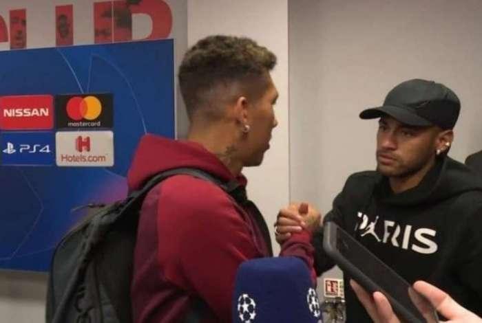 Neymar parabeniza Firmino após vitória do Liverpool