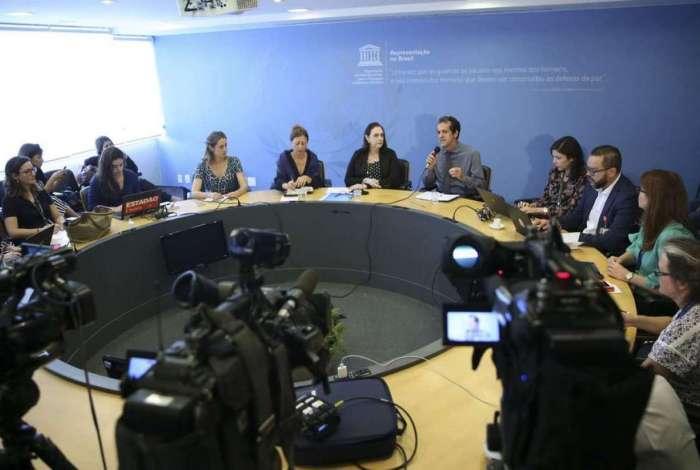 Representantes da missão de emergência da Unesco falam sobre a restauração do museu