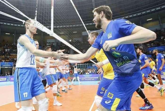 Brasil garante vaga na terceira fase do mundial de vôlei
