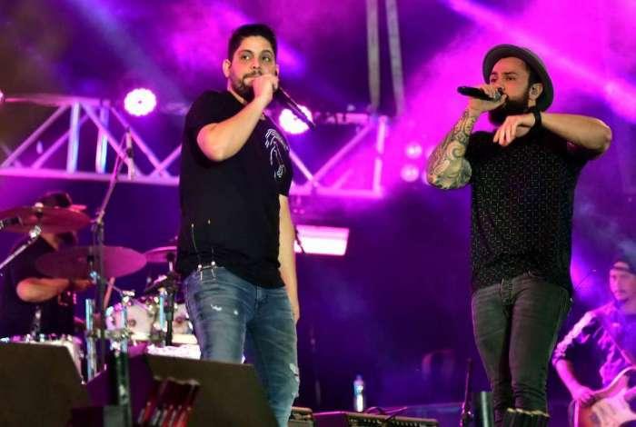 Jorge e Matheus se apresentam no Villa Mix