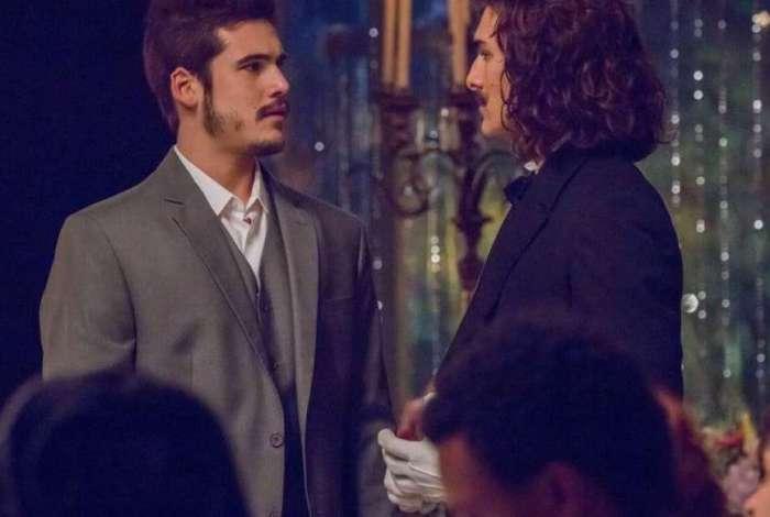 Nicolas Prattes como Samuca e Bruno Montaleone como Bento em 'O Tempo Não Para'