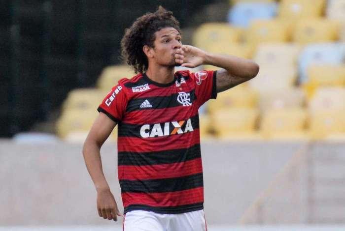 Willian Arão marcou o primeiro na vitória do Flamengo