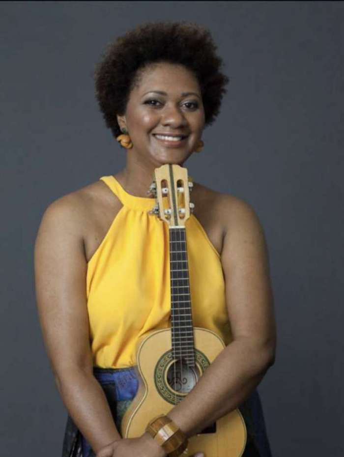 Nilze Carvalho lança DVD comemorativo