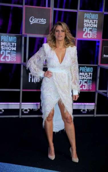 Anitta rouba a cena no Prêmio Multishow 2013. Confira o