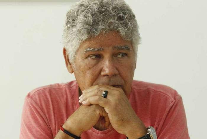 Chico Alencar (PSOL) fala de política e educação.