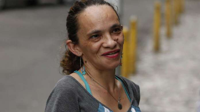 JOSÉLIA DE OLIVEIRA, 40 anos, trabalha em hotel, mora em Cavalcanti