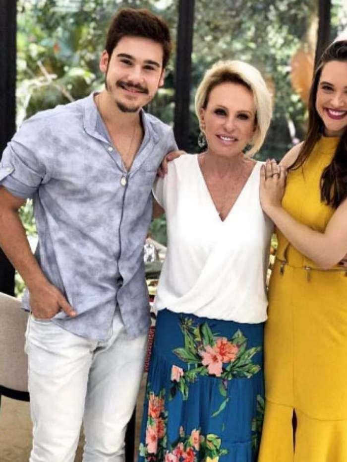 Nicolas Prattes, Ana Maria Braga e Juliana Paiva