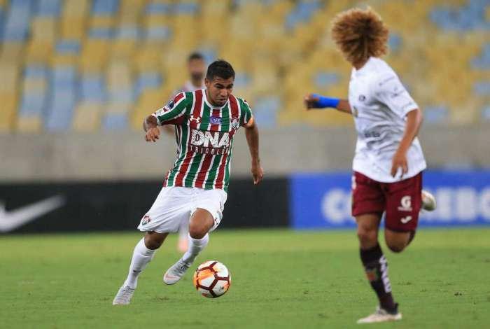Sornoza desfalca o Fluminense contra o Paraná