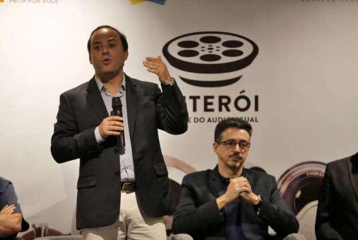 Prefeito de Niterói, Rodrigo Neves anunciou antecipação de pagamento