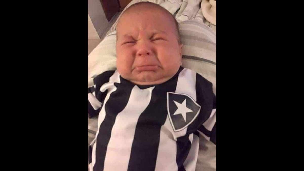 Fotos  Botafogo é eliminado da Sul-Americana e rivais tiram onda com ... 1f7c80b31b658