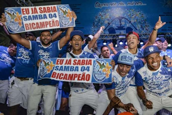 Na Beija-Flor, os seis compositores repetiram a vitória do ano passado