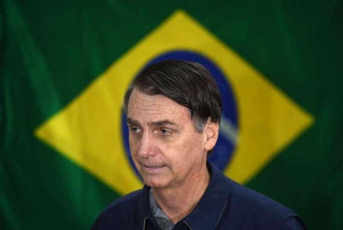 Jair Bolsonaro: neutralidade, mas liberando os políticos do partido