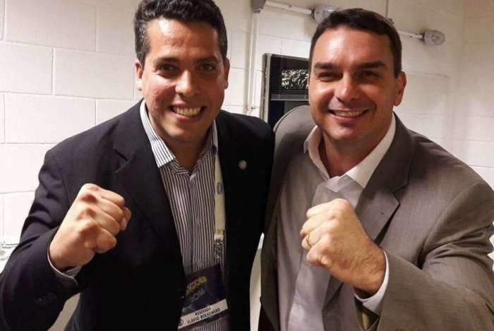 Rodrigo Amorim e Flavio Bolsonaro: os dois concorreram na mesma chapa às eleições municipais de 2016